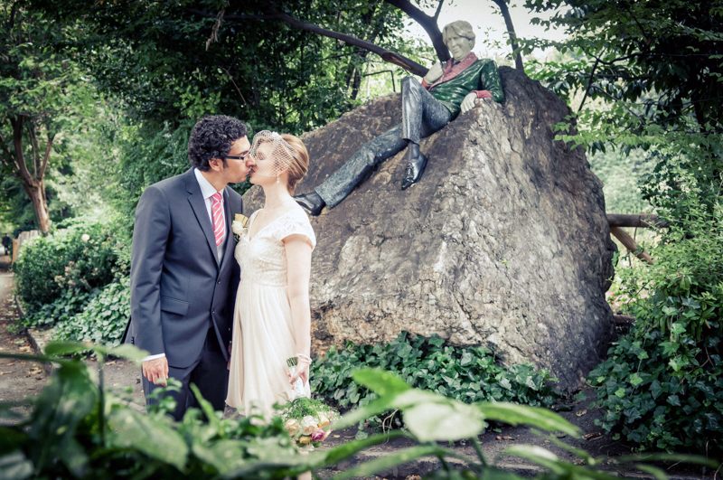 Wedding Photograph by the Oscar Wilde Statue in Merrion Square Park
