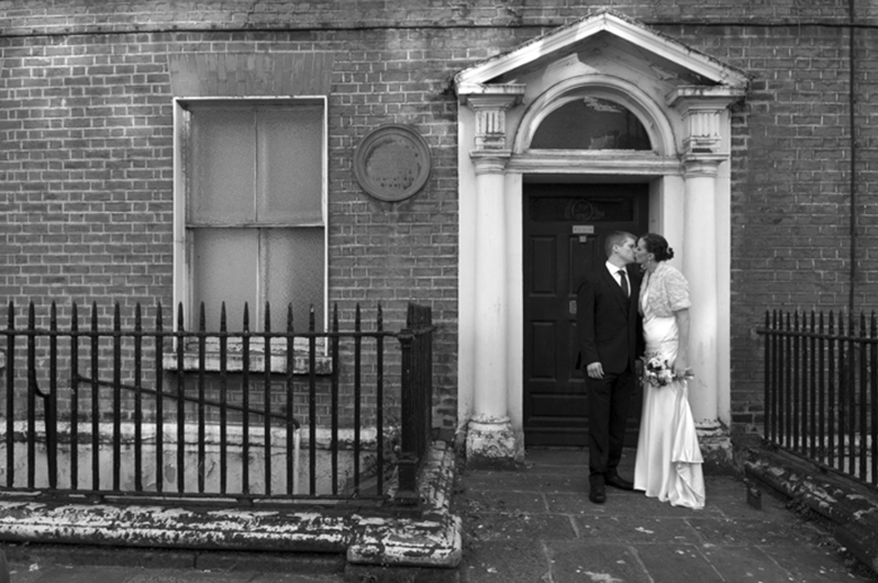 Wedding-photograph-in-front-of-a-Georgian-House-on-St.-Stephens-Green
